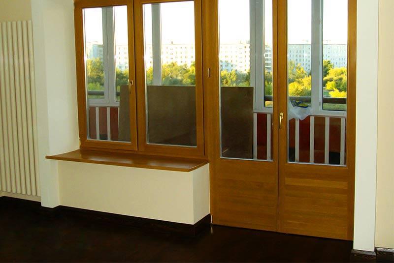 Балконный блок из древесины