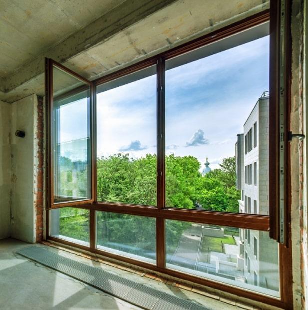 panoramnye-okna-gostinoy-smolnyy-park-smolnogo-ul-4-1656-l-5-12-2016-13-45-43-2-min